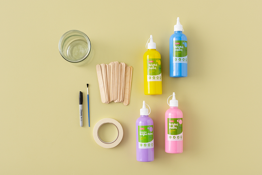 Keep kids busy in the summer holidays with the popsicle stick activity jar.